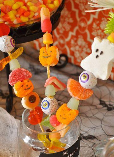 ハロウィンお菓子の串刺し