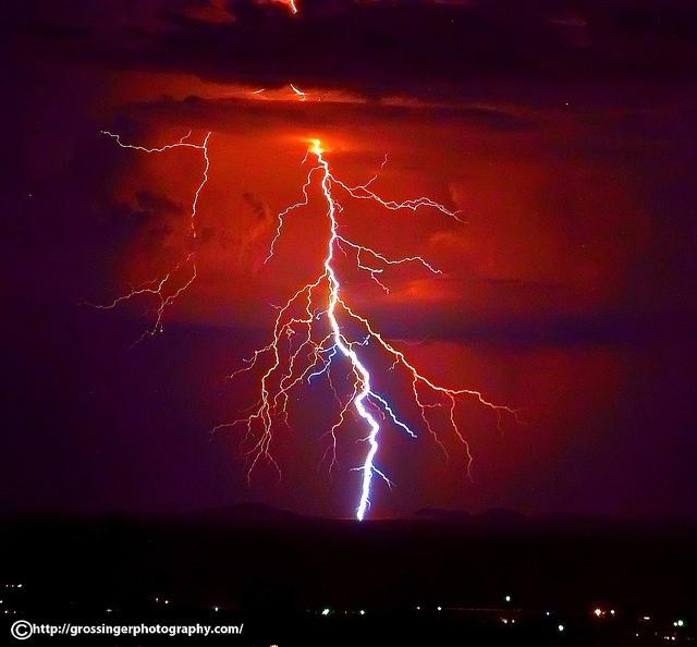 Lightning.: Photos, Aries, Photography Lightning, Lightning Wonder, Pictures, Lightning Storms, Lightning Strikes Storms, Beautiful Nature Lightning, Mothers Natural
