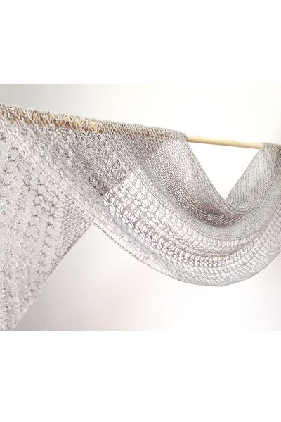 Ravelry: Rosewater shawl with Swans Island Natural Colors Merino Fingering - knitting pattern by Janina Kallio.