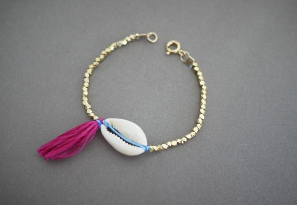 DIY Shell Bracelet From Honestly WTF