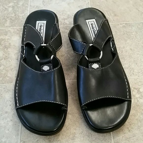 Ladies Harley Davidson Sandals Worn 1 time, no scratches, got them at a harley davidson store in Fort Worth texas...leather Harley-Davidson Shoes Sandals