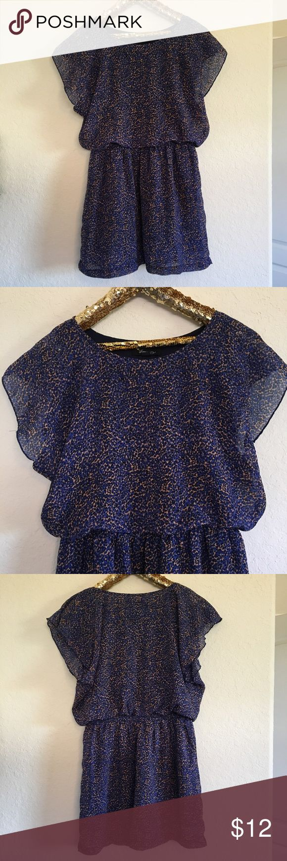 Forever 21 Navy Dress This stylish Forever 21 navy dress is in like-new condition and perfect for the fall season! It has a stretchy waist and looks so cute dressed up or down.  🚭 From a smoke-free home ❌ No trades or off PoshMark sales 🛍 Bundles welcome and encouraged 👌🏻 Reasonable offers welcome ⚡️ Same/next day shipping 🌬 All items are steamed before shipping Forever 21 Dresses