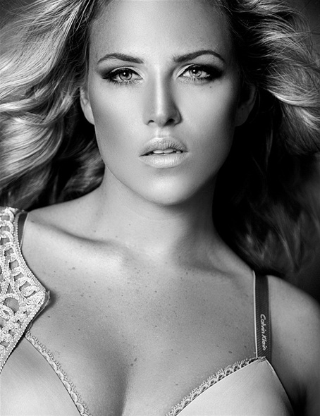 feather hair styles layers 292 best plus size models images on robyn 2333