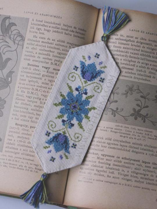 Blue flower bookmark cross stitch