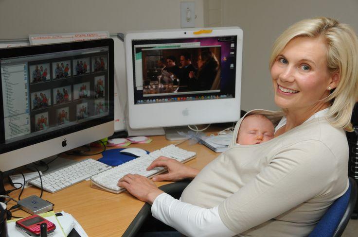 #Snuggleroo #BabyWrap #WorkingMom #Multitasking #KangarooCare #NurtureShirt