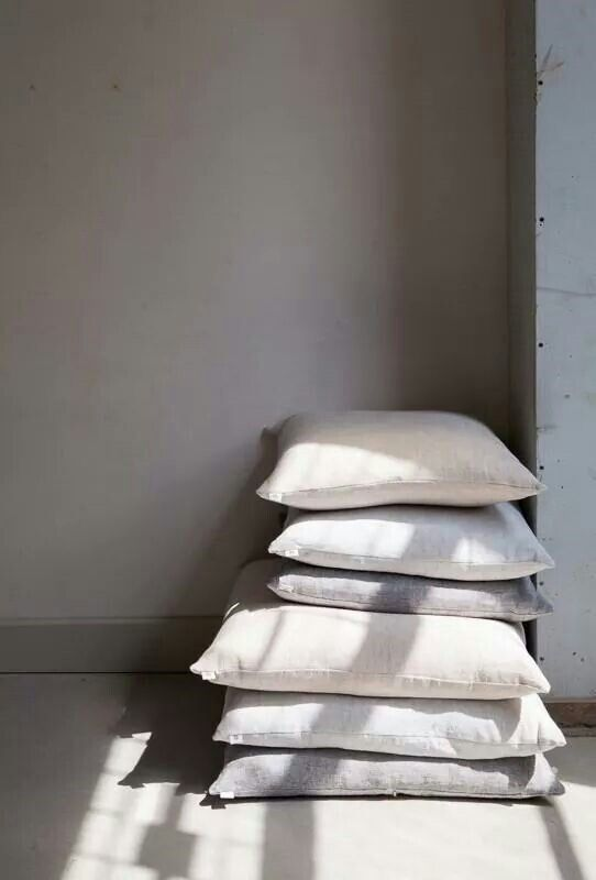 Linen cushions, photography by Jitske Hagens | By Mölle