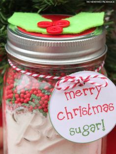 Cookie Mix in a Mason Jar Christmas Gift - Sugar Cookie Recipe - Free Printable Mason Jar Label