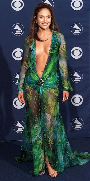 Jennifer Lopez, 2000 - Top Grammys Gowns of All Time