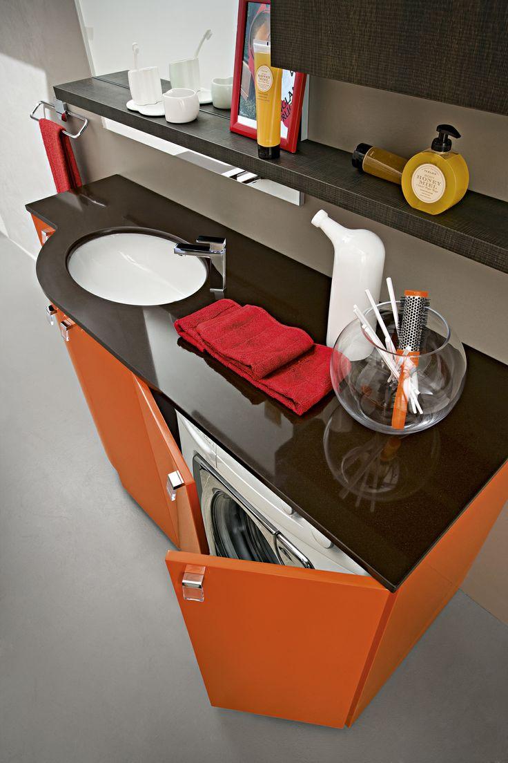 Bagno Play con finitura laccato lucido Rosso Arancio RL-2 http://www.cerasa.it/it_IT/bagni/moderno/play/mobili-bagno-play-2012-168-169