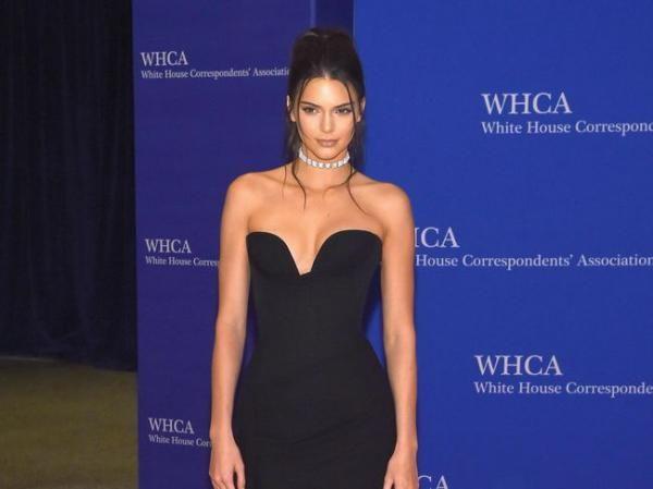 5 Produk Kecantikan yang Ada di Dalam Tas Makeup Kendall Jenner
