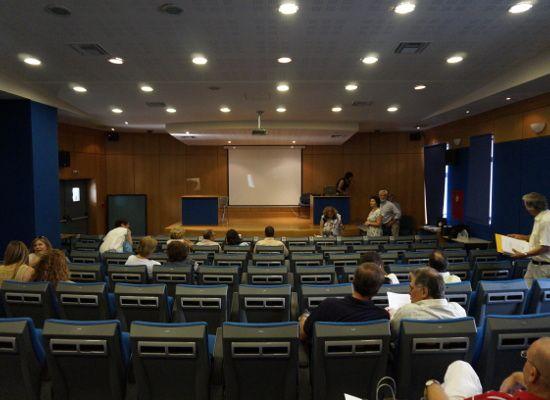 28-09-16 Ενημερωτικές Ημερίδες Σχολικών Συμβούλων    28-09-16 Ενημερωτικές Ημερίδες Σχολικών Συμβούλων  Την Τρίτη 4/10/2016 καλούνται οι σχολικοί σύμβουλοι του κλάδου των θεολόγων (ΠΕ01) και οι σχολικοί σύμβουλοι του κλάδου των δασκάλων (ΠΕ70) για την ενημερωτική ημερίδα σχετικά με το νέο πρόγραμμα σπουδών στο μάθημα τωνθρησκευτικών.  Η ημερίδα θα πραγματοποιηθεί στην αίθουσαΓαλάτεια Σαράντη  τουΥΠ.Π.Ε.Θ. στο Μαρούσι θα διαρκέσει από τις9:00 π.μ. έωςτις  15:00μ.μ. και θα αναμεταδίδεται…