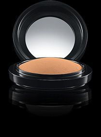 MAC Cosmetics: Mineralize Skinfinish Natural in Dark Golden -- light coverage, for setting foundation