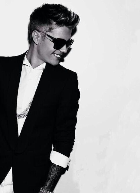 """""""Please don't judge me and I won't judge you, cuz things could get ugly before they get beaultiful."""" -Justin Drew Bieber"""