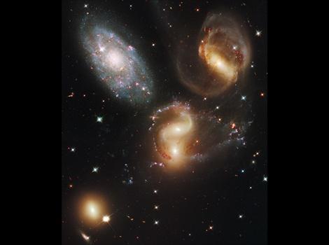 宇宙 - 写真 - ハッブル宇宙望遠鏡 ベストショット - 苦難と功績 - ナショナルジオグラフィック 公式日本語サイト