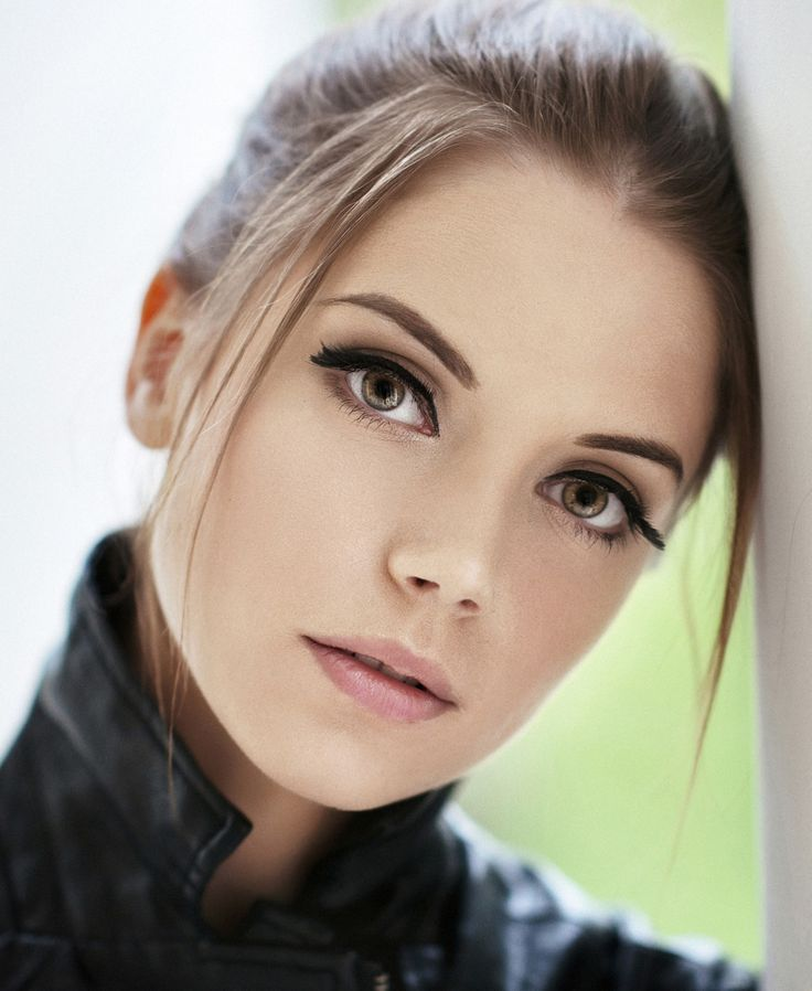 possibly the most beautiful eyes in the world - needlefm:    © Maxim Maximov | More Beauties here