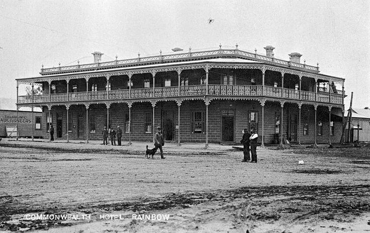 Commonwealth Hotel - Rainbow, Victoria, circa 1915 - Museum Victoria