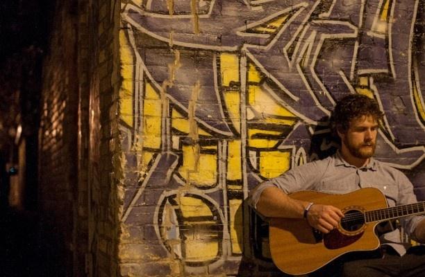 Western musician goes viral in Israel