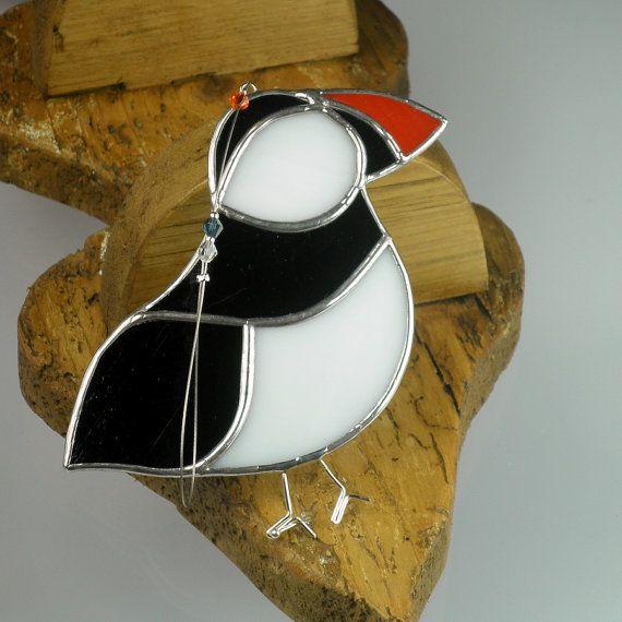 Gebrandschilderd glas Puffin Suncatcher, venster sieraad & decoratie van Kerstmis