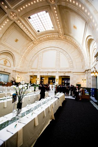 The Great Hall At Union Station In Heart Of Downtown Seattle Is A Gorgeous Location For Washington State Winter Wedding