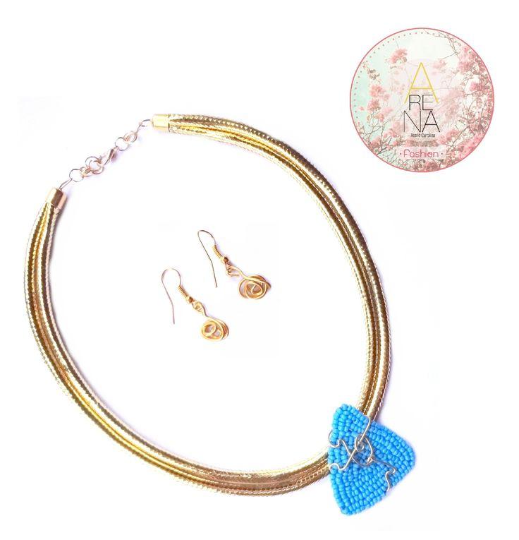 Hermoso collar en azul  #necklace #collar #handmade #moda #fashion #chic #trendy #earring #love