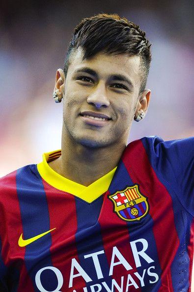 Neymar Photos: Neymar Unveiled as New FC Barcelona Player