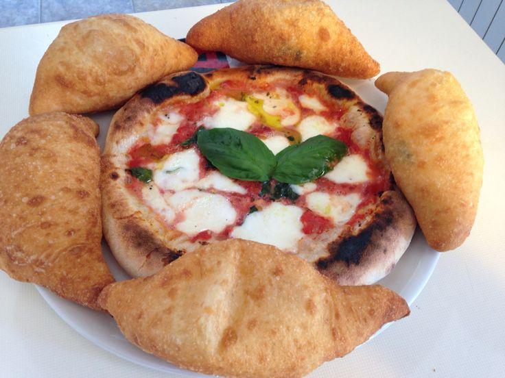 Margherita e pizza fritta Napoletana