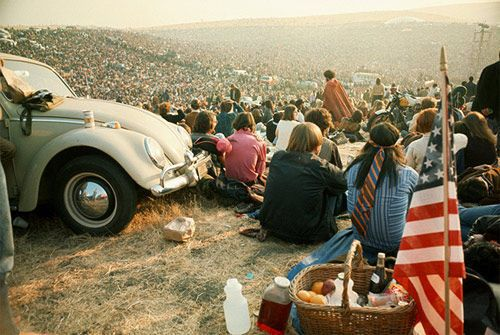 Ah, Woodstock :) I miss summer and music fests already. Come back, fast!!