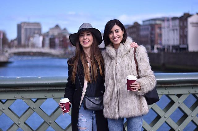 luciahperis Dublin with my @claudiahperis  #sisters #style #dublin #weekend #ireland #family #time #ootd #fashion #look #topshop #fauxfurcoat #forever21 #boyfriendjeans #outfitoftheday #lookoftheday #zara #denim #jeans #coat #coach #crossbodybag #parfois #hat #accessories #nofilter