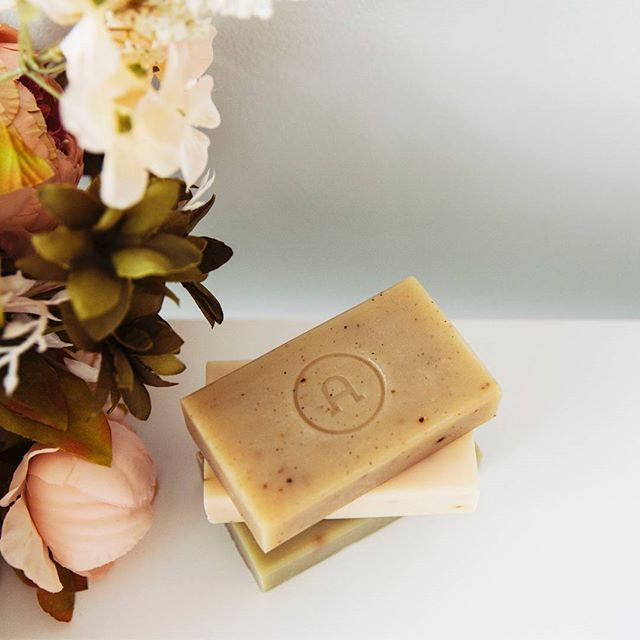 Give the gift of soft skin with our bestselling Hand & Body Bars. Available in a Trio and individually, these beauties are triple milled for a smooth, rich lather and expertly blended to cleanse without drying.