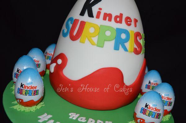 3D Kinder Egg Cake