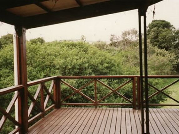 80 St Andrews Avenue - 80 St Andrews Avenue is located in the leafy paradise of Nature's Valley. The area is set along the Garden Route and is positioned in the indigenous Tsitsikamma forest.   This cabin-style two-storey house ... #weekendgetaways #naturesvalley #southafrica
