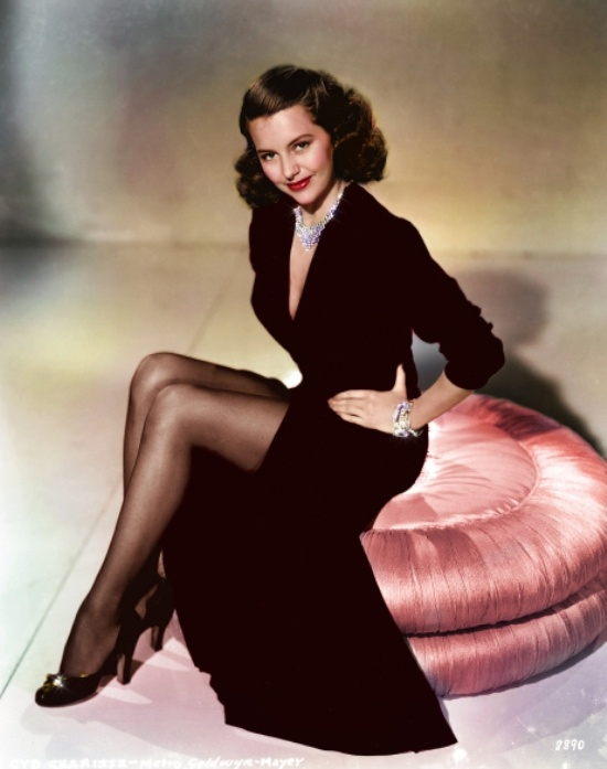 Cyd Charisse, c.1940s http://www.pinterest.com/kaystarstyle/passionate-beauty/ Born Amarillo, Texas 1922 - 2008  (aged 86)   http://en.wikipedia.org/wiki/Cyd_Charisse#Early_life