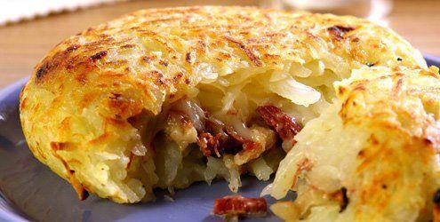 Mais uma batata recheada com ingredientes muito deliciosos - Aprenda a preparar essa maravilhosa receita de Batata com carne-seca e requeijão
