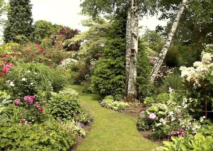 les 94 meilleures images du tableau jardins inspirants sur pinterest marre petit jardin de. Black Bedroom Furniture Sets. Home Design Ideas