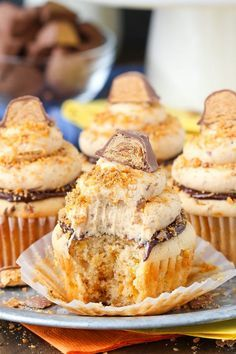 Butterfingers Cupcakes - peanut butter cupcakes, chocolate ganache, Butterfingers frosting!