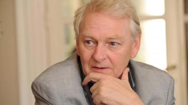 Guy Carcassonne (14 de mayo de 1951 — 27 de mayo de 2013), jurista francés.