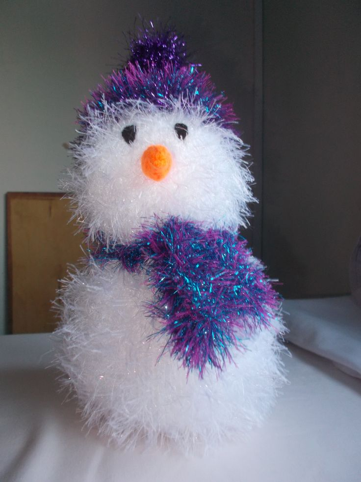 Snowman made with King Cole tinsel chunky