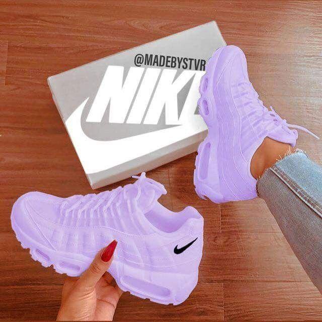 Pin de Valeriie Joan en Nike | Zapatos nike, Zapatillas de ...