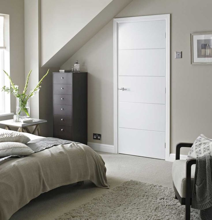 Horizontal 4 Lines Smooth White Primed Door