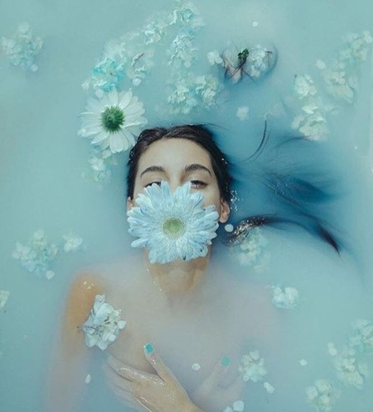 Blue aesthetic bath