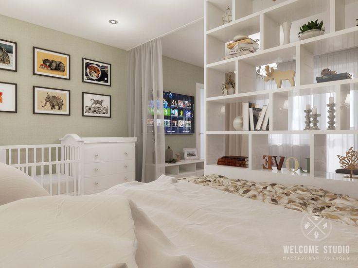 Дизайн: Welcome Studio (Нижний Новгород) Хозяева приобрели однокомнатную квартиру с необычной планировкой. Так как они ждут ребенка, в квартире было предусмотрено место для детской кроватки и пеленального столика. Взрослую кровать отгородили от диванной зоны стеллажом. Дизайн кухни сложился в…