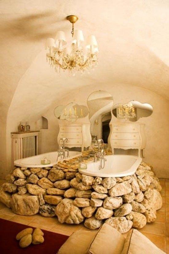 Прохладная ванная комната дизайн с натуральными камнями