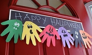 Halloween crafts for kids holiday-crafting using handprints on different color construction paper.  cute and easy.  #halloweencarnival #boothidea2