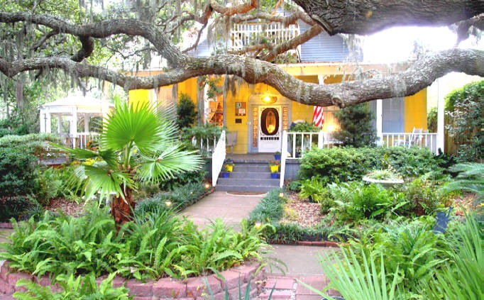 Tybee Island Bed and Breakfast Inn,: Savannah, Favorite Places, Beds And Breakfast, Tybee Islands Georgia, Breakfast Inn, Islands Beds, Islands In, Beaches Houses, Hotels
