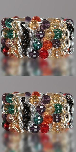 Duhový náramek, Barva zlatá Dámský náramek, který je vytvořen z barevných korálků stříbrných a zlatých řetízku. K dostání je několik barevných variant. Velmi pěkný kousek pro každou příležitost. 420 Kč