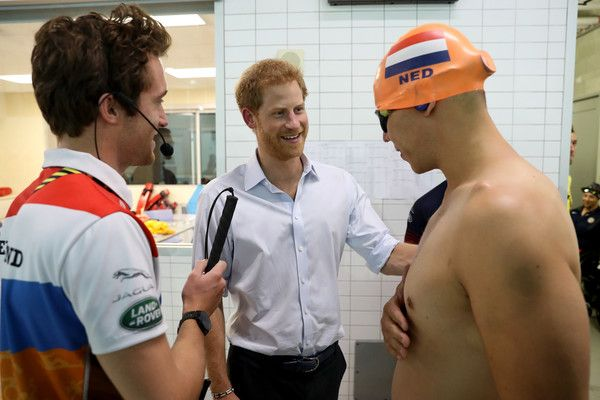 Prince Harry Photos - Prince Harry attends the Swimming Finals during Day Seven of the Invictus Games 2017 at Toronto Pan Am Sports Centre on September 29, 2017 in Toronto, Canada - Invictus Games Toronto 2017 - Day 7