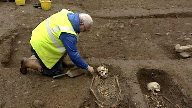 The Northern Ireland environment minister has announced a two-week extension to an archaeological dig in Derry that uncovered 13 skeletons l...