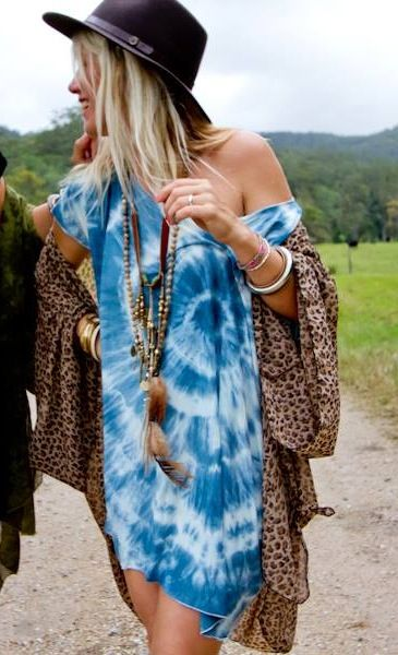 Funky hippie tie dyed shirt for a modern boho chic look with long layered necklaces for a gypsy spirit style.