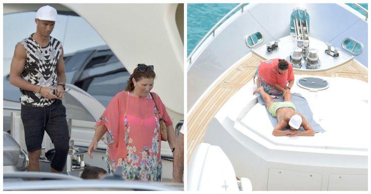 Hace apenas unos días veíamos al jugador el F.C. Barcelona, el argentino Lionel Messi, disfrutar bastante despreocupado por lo que sucede al rededor de su vida futbolistica y personal de sus vacaciones en las playas de Ibiza junto con su hermosa esposa, sus dos hijos y su familia.