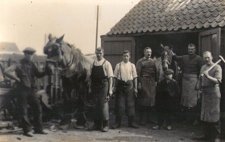 """This smithy (blacksmith)  was on the main road alongside St George's Park, Bristol in the early 1900s. In 1938 a farrier's cottage was demolished. (See comments below)  (date unknown) """"Any information you can provide me would be greatly appreciated.""""   Farriers & Blacksmiths - Compiled by Ann Spiro  1857: Silas Hopes, blacksmith. Born circa 1857 in Goucestershire. Died:1913. Silas & his father Silas Simon Hopes were both blacksmiths in the St George area of Bristol. ..."""